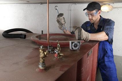 Gewässerschaden Haftpflichtversicherung für Heizöltank Besitzer
